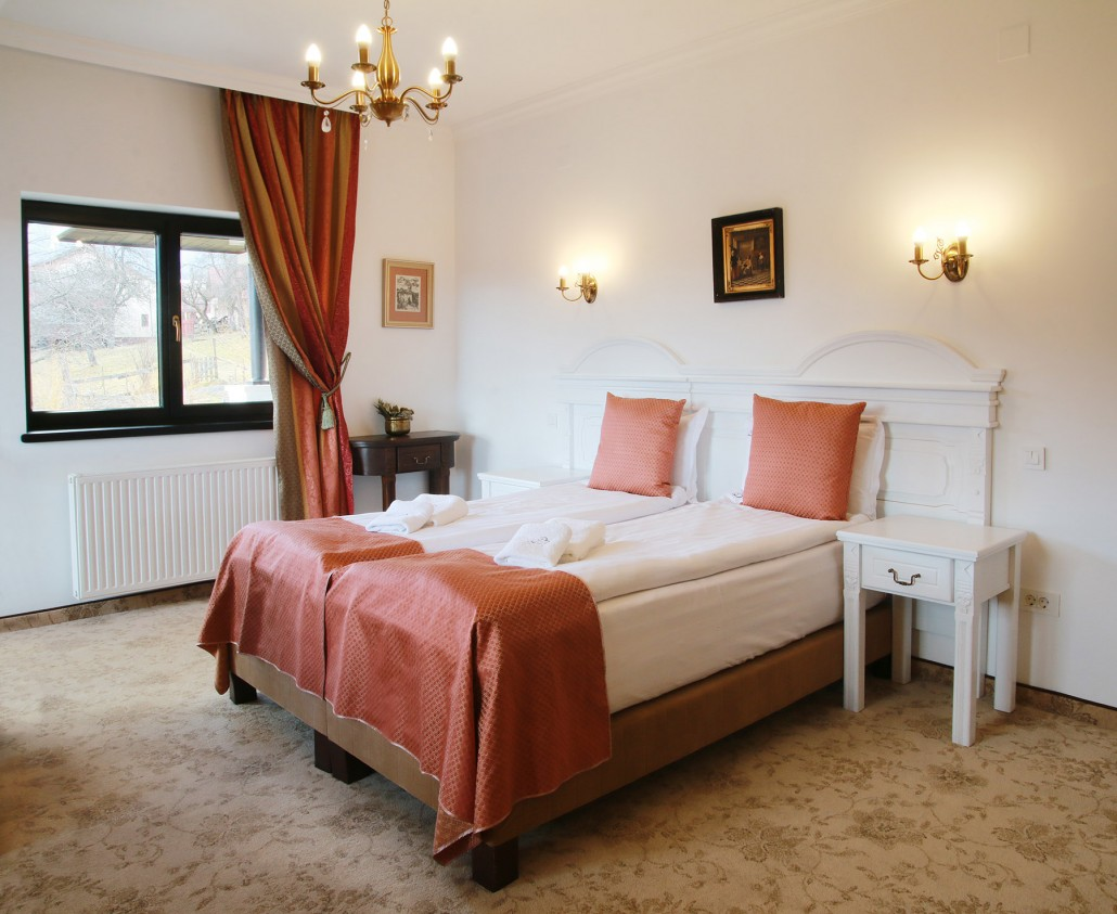 Romantic Luxury | Brătescu Mansion